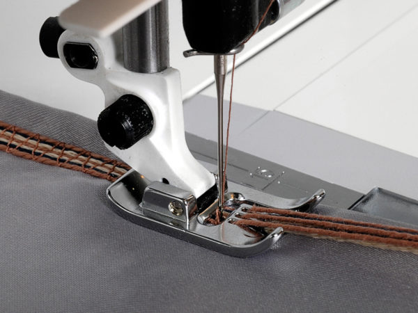 11 - Hole Cord Foot with Threader